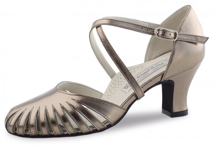 Murielle la chaussure de danse de salon par werner kern for Salon de la chaussure