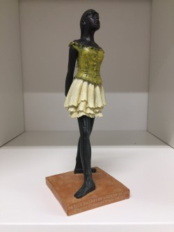 Danseuse Degas statue